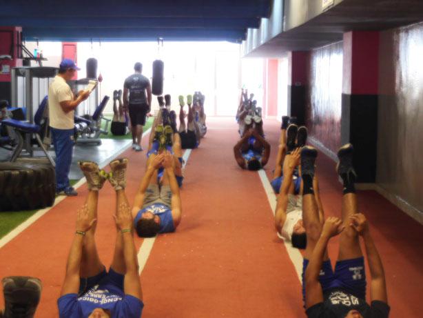 Entrenadores supervisan la preparación de los Borregos Querétaro Categoría Mayor