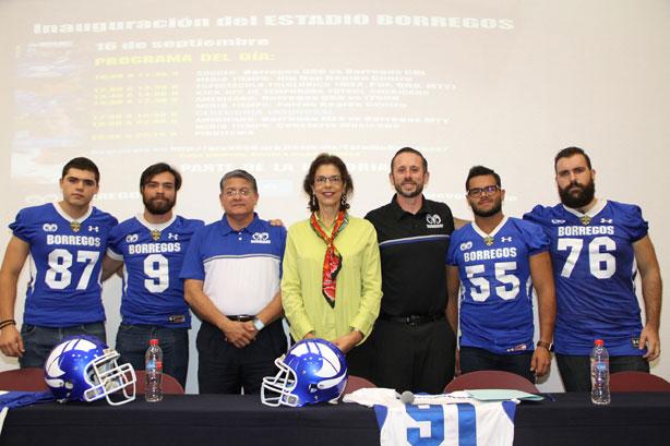 Autoridades en el Campus Querétaro durante la presentación