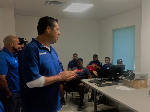 HC Carlos Altamirano dando la bienvenida a las actividades
