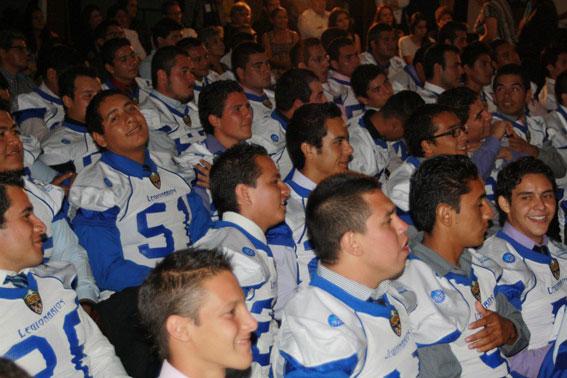 Legionarios recibe sus jerseys para la temporada 2012