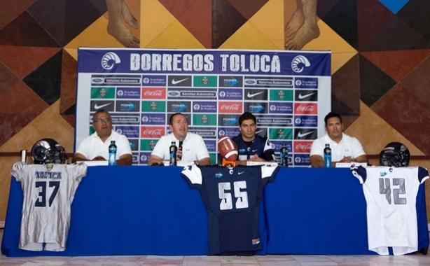 El staff y capitán de Borregos Toluca