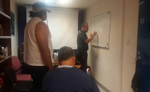 El coach Ernesto Alfaro visitó Toluca