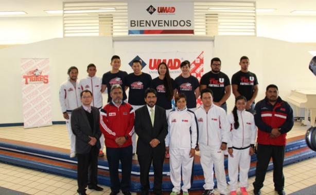 Presentación de los deportistas de la UMAD