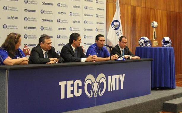 Aspectos de la presentación del HC Carlos Altamirano nuevo estratega de Borregos Monterrey