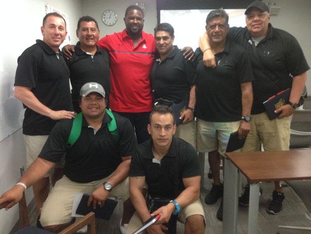 Staff de Borregos Toluca en las instalaciones de Arizona University