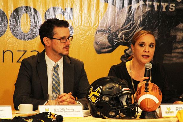 La directora del CETYS Tijuana Mtra. Jessica Ibarra
