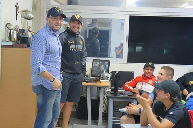 El Maestro Enrique Villanueva visitó a los Guerreros Jaguar